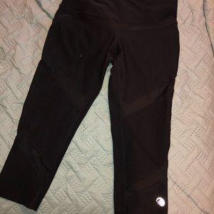 Black knee length leggings
